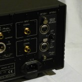 AI2-B1 アナログXLRインプットボード(オプション品)が附属しています。